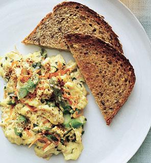 veggie-scrambled-eggs-fore296