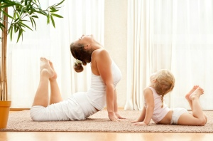 family_yoga_kids