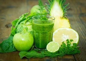 smoothie_greens_fruits_vegtables_juicing