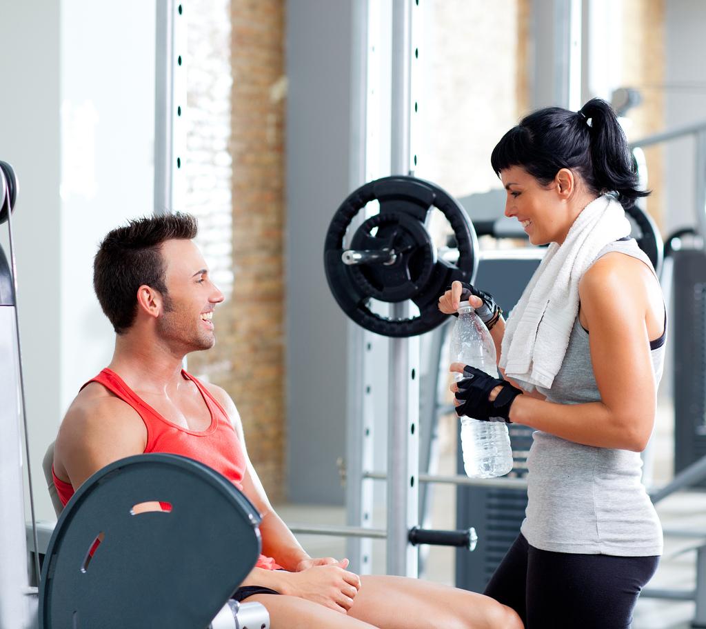 с знакомство мужчинами клуб фитнес