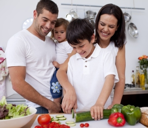 family_cooking_kitchen